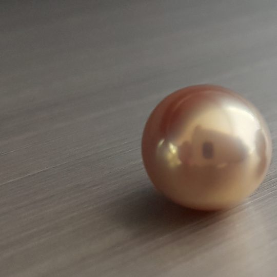 A Zylana freshwater pearl with a rare tone of colour. And yes, a mirror-like luster.